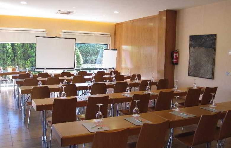 Posadas de España Pinto - Conference - 22