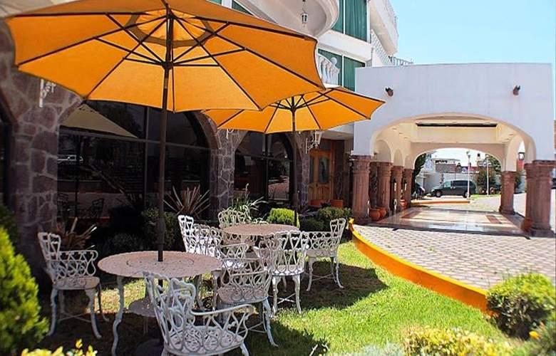 Best Western Toluca - Terrace - 49