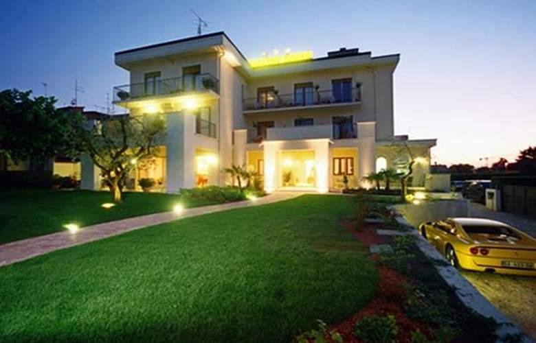 Mauro - Hotel - 0