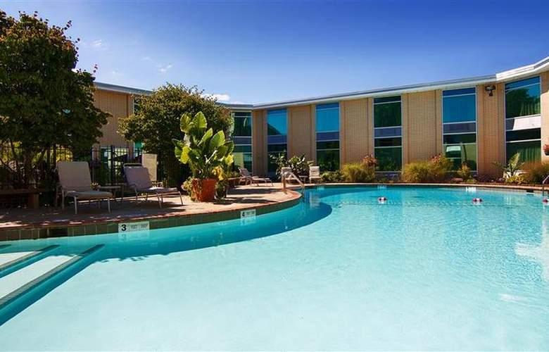 Best Western Syracuse Airport Inn - Pool - 26