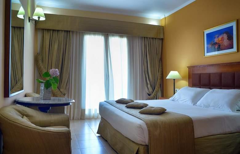 Ariti Grand Hotel - Room - 12