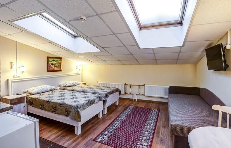 Hotel 365 - Room - 8