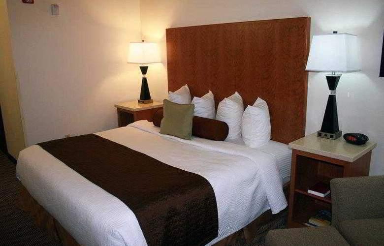 Best Western Plus Park Place Inn - Hotel - 41