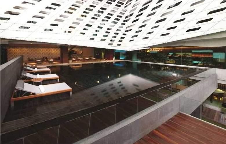 Lit Bangkok - Pool - 6