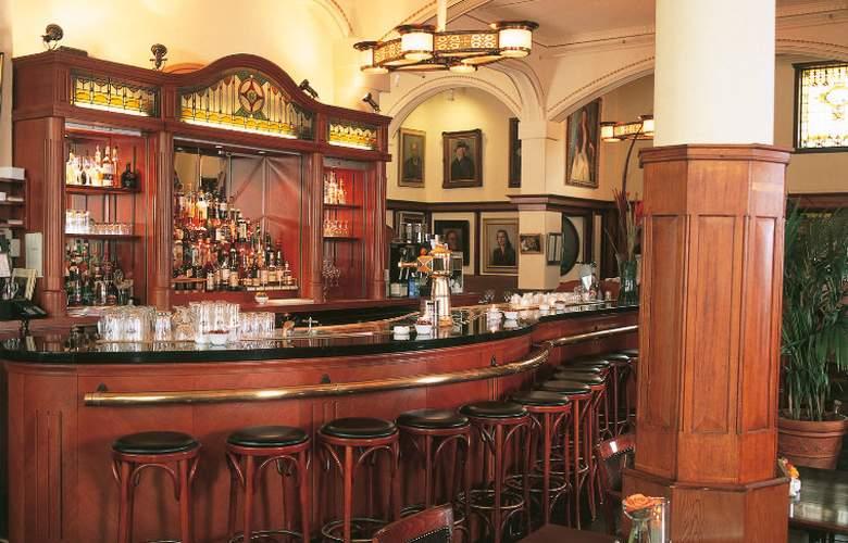 NH Schiller - Bar - 6