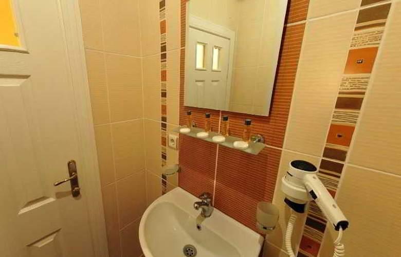 Serdivan Hotel - Room - 11