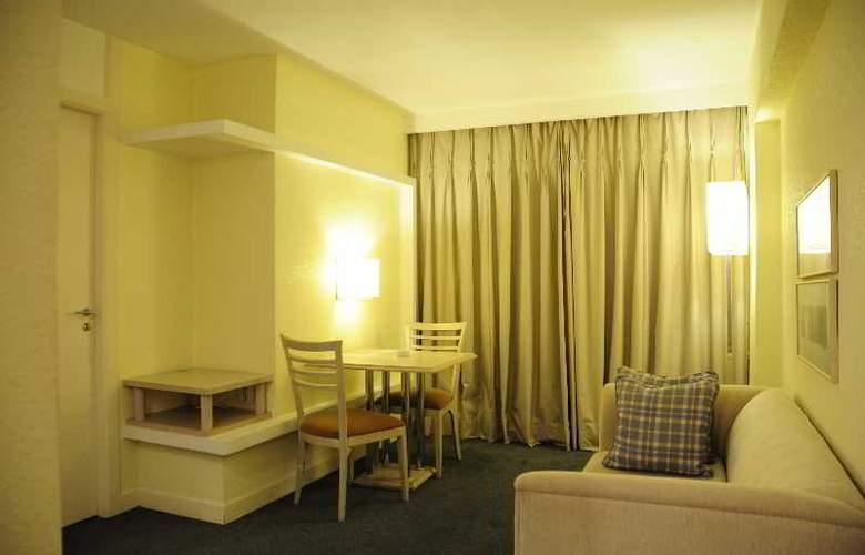 Ambassador Residence Hotel - Room - 1