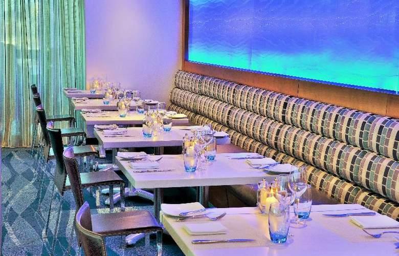 Radisson Blu Hotel Waterfront, Capetown - Restaurant - 24