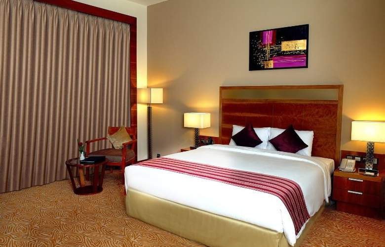 Landmark Grand Hotel - Room - 6
