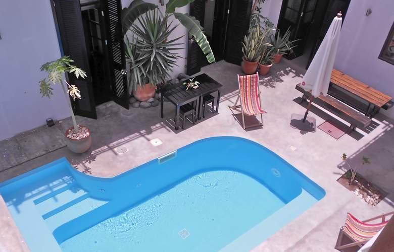 Casa Colonial Mindelo - Pool - 2