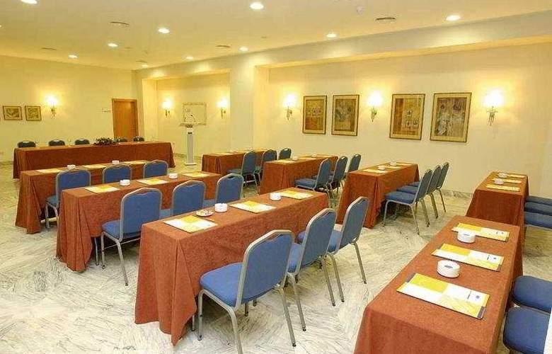Costa Conil - Conference - 7