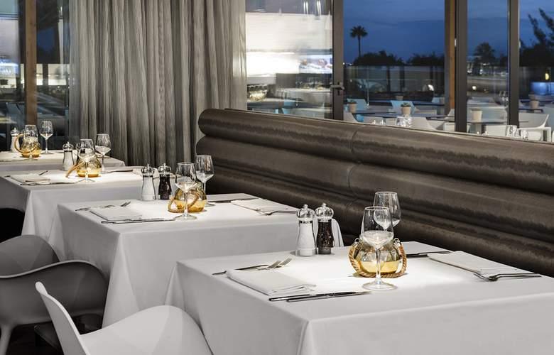 Elba Premium Suites - Restaurant - 4