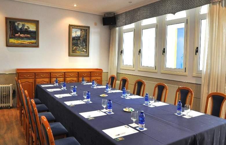 Crunia - Conference - 36