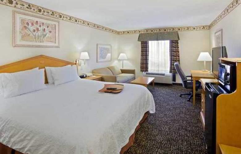 Hampton Inn Cleveland Airport-Tiedeman Rd - Hotel - 2