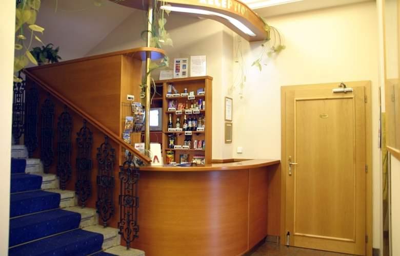 Alton Praga - Hotel - 0