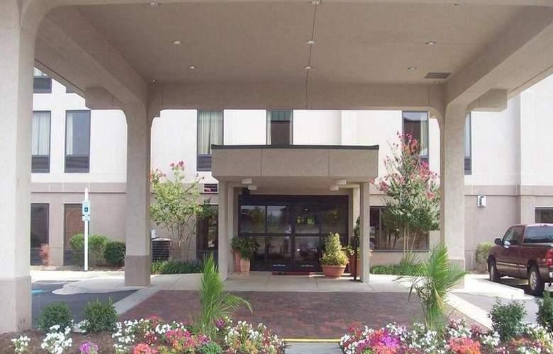 Hampton Inn Waldorf - Hotel - 6