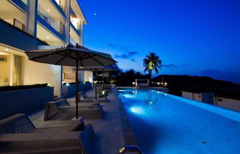 Code Hotel Samui - Pool - 20