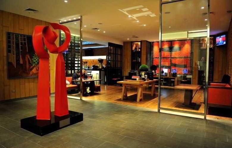 Radisson Ciudad Empresarial - Bar - 4
