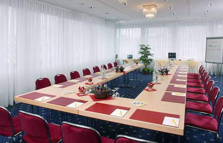 Ringhotel Loew's Merkur - Conference - 4