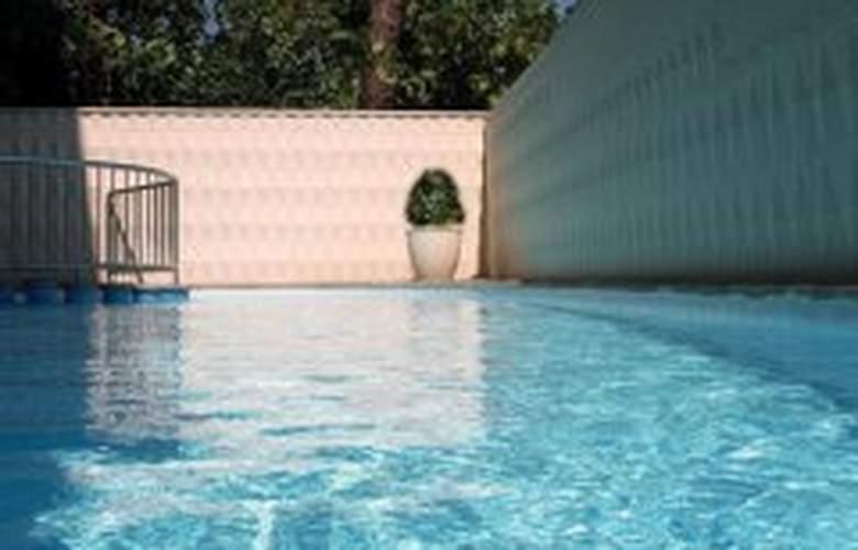 H top Alexis - Pool - 7