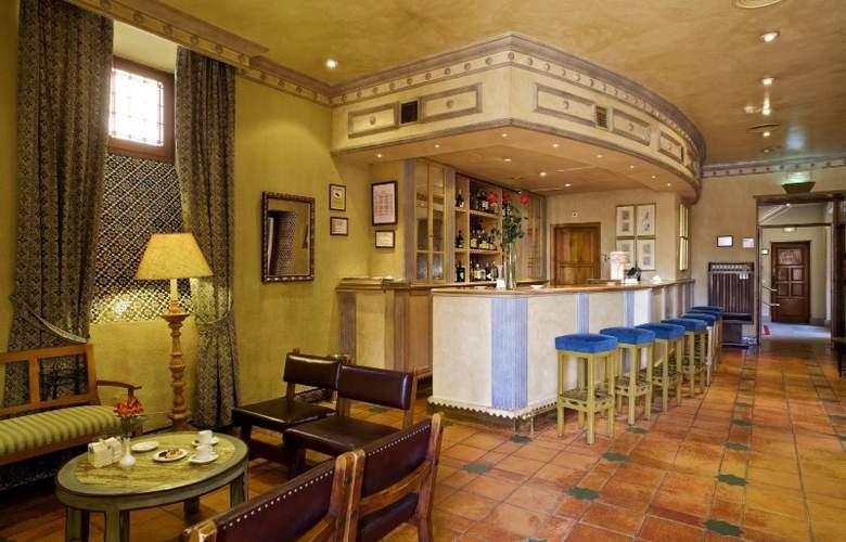 Parador de Ávila - Bar - 11
