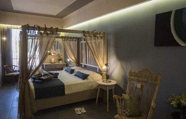 Elia Potie Studios - Room - 10