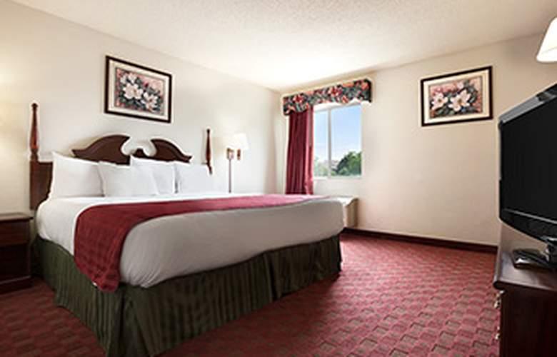 Super 8 Aurora/Naperville Area - Room - 10