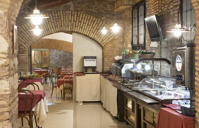 Exe Della Torre Argentina - Restaurant - 17