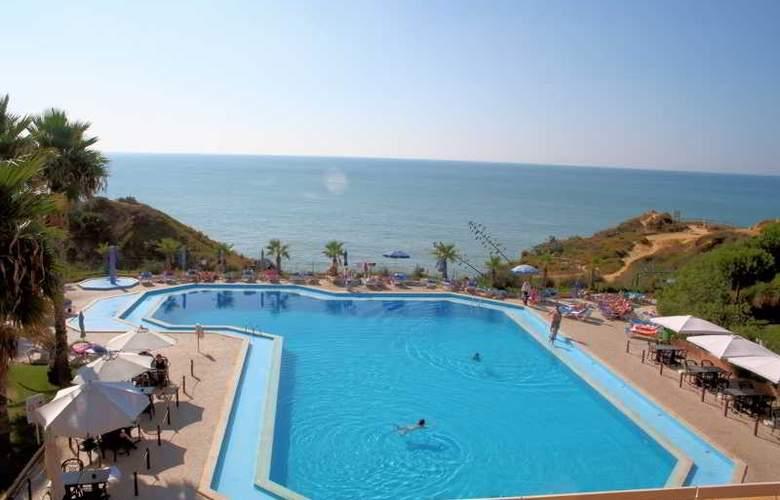 Auramar Beach Resort - Pool - 20