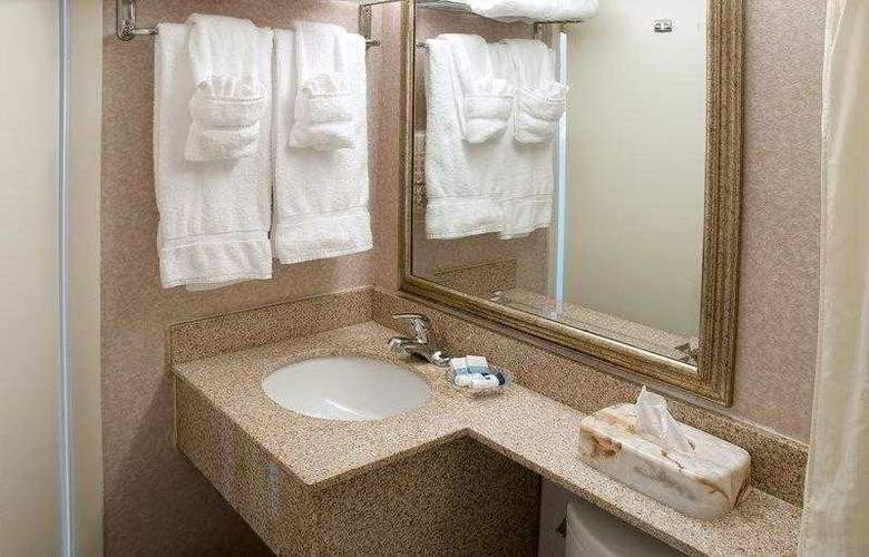 Best Western Plus Oceanfront Virginia Beach - Hotel - 19