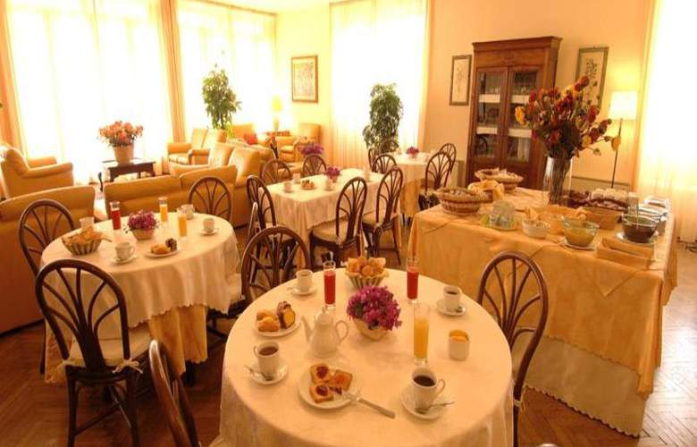 Eden Riviera - Restaurant - 13