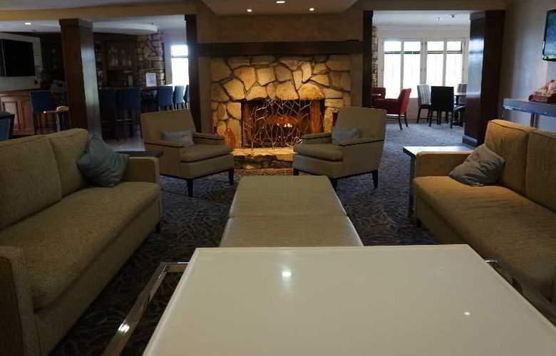 Hilton Garden Inn Monterey - General - 7
