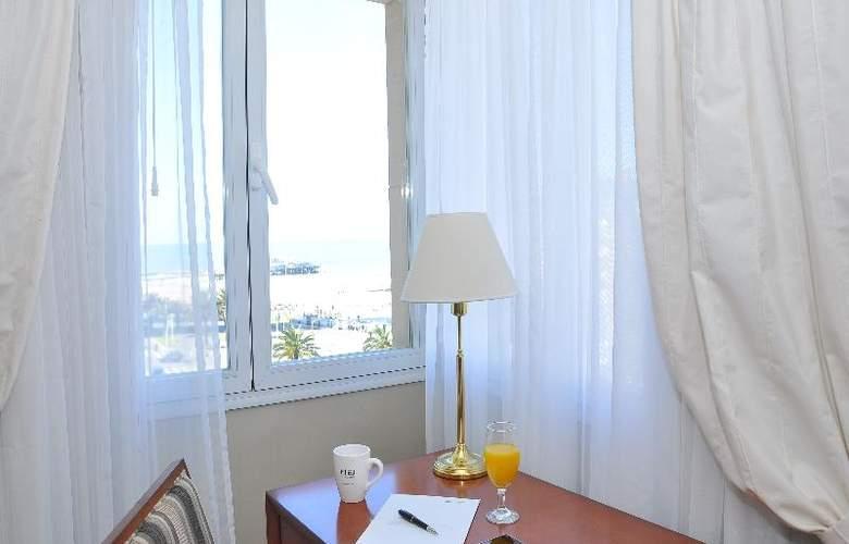 Riviera - Room - 16