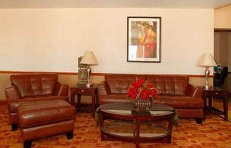 Comfort Suites Near Raymond James Stadium - General - 2