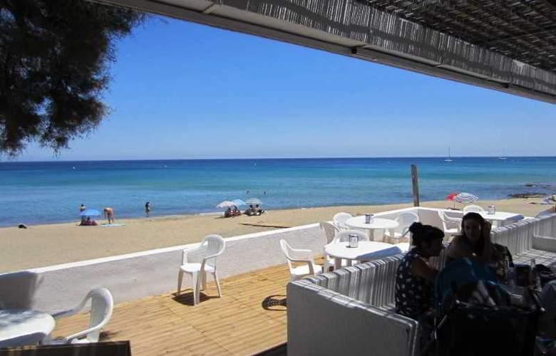 Dona Pakyta - Beach - 9