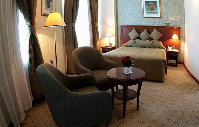 Royal Qatar - Room - 9