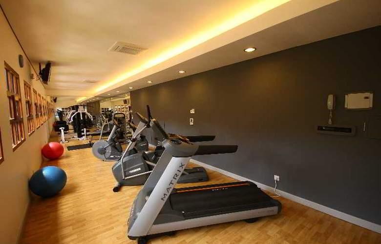 Protea Hotel Courtyard - Sport - 24