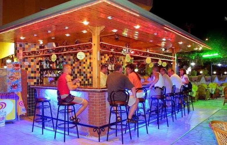 Kleopatra Balik Hotel - Bar - 7