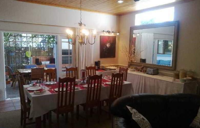 La Boheme Bed and Breakfast - Restaurant - 20