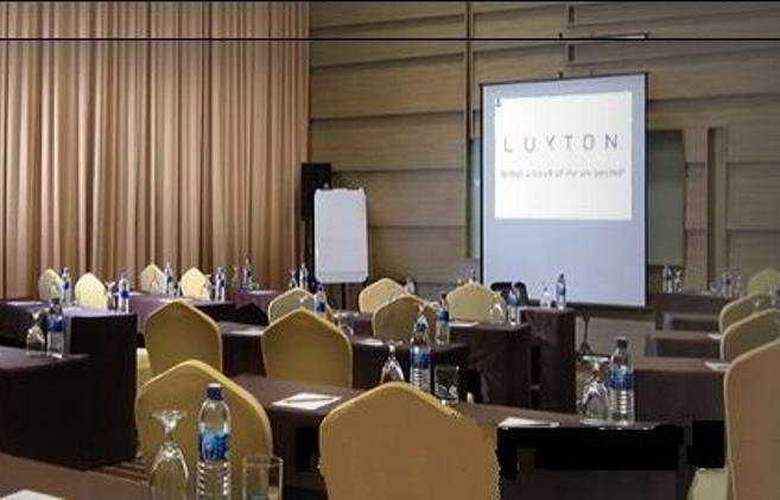 The Luxton - Conference - 3
