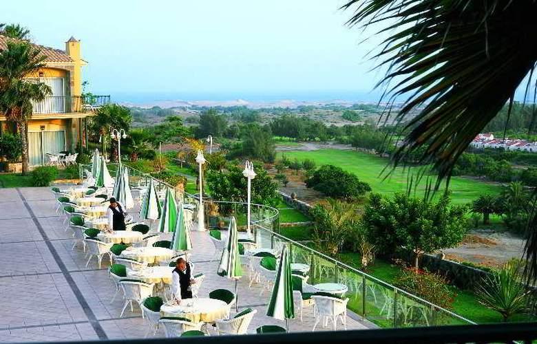 Vital Suites Residencia Salud & Spa - Terrace - 10