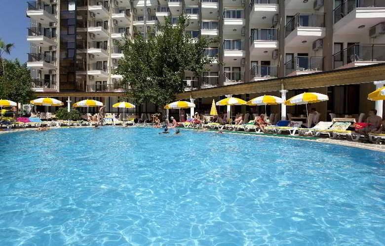 Monte Carlo Hotel - Pool - 6