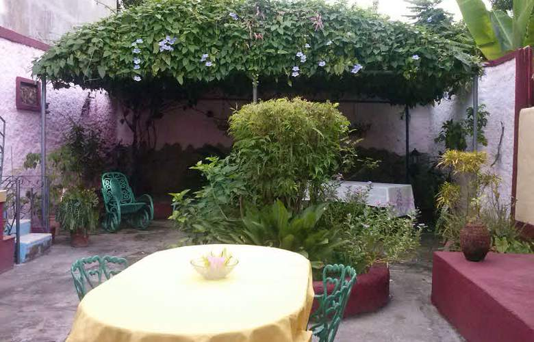 Hostal Casa Gómez - Terrace - 18