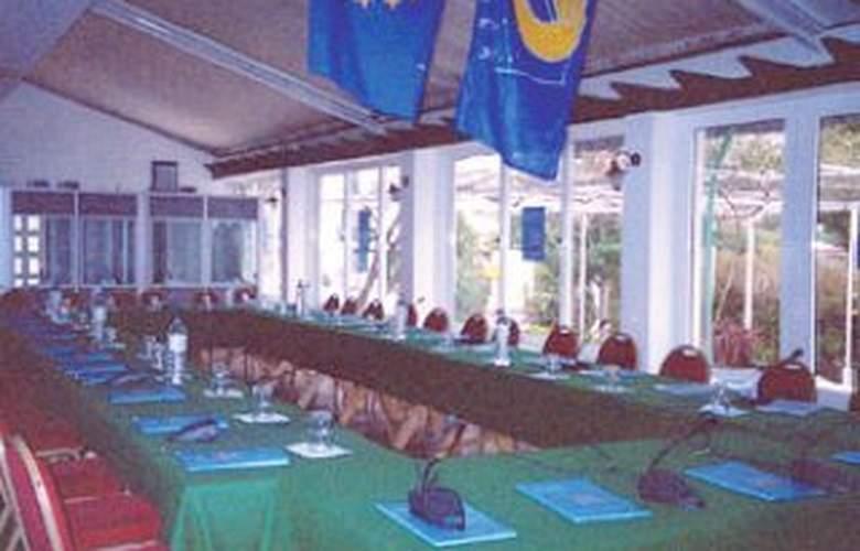 Danae - Conference - 3