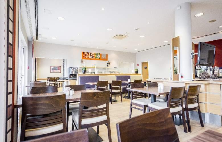Holiday Inn Express Cologne Muelheim - Restaurant - 8