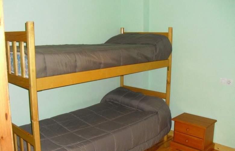 Apartamentos Candanchú 3000 - Room - 8
