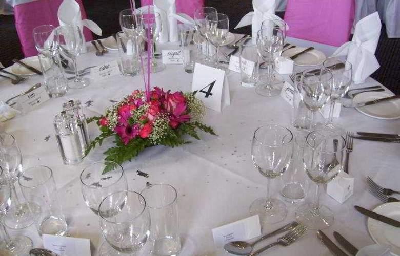 Holiday Inn Basingstoke - Restaurant - 6