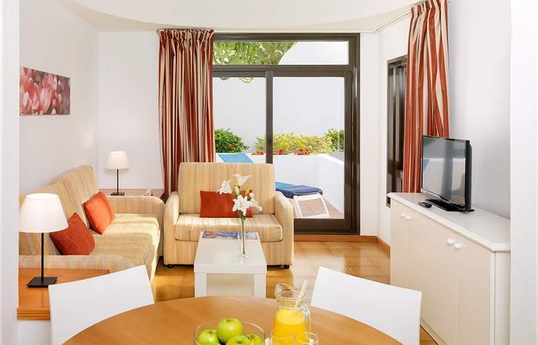 H10 Suites Lanzarote Gardens - Room - 9