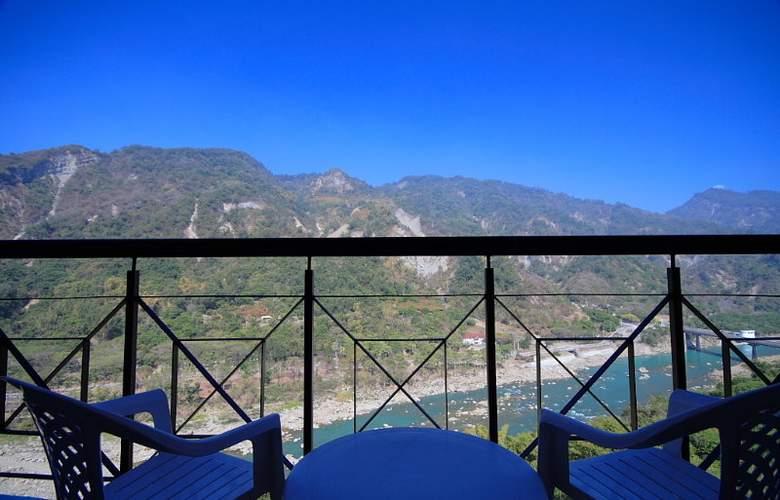 Hibiscus Resort - Terrace - 3
