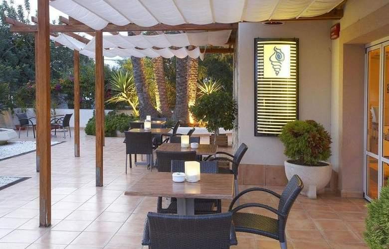 Lux Isla - Terrace - 6